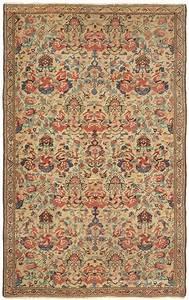 17 best images about tapistapisseries on pinterest With tapis oriental avec canapé vintage
