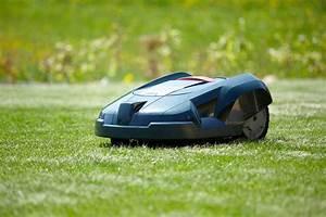 Tondeuse à Gazon Automatique : prix d 39 un robot tondeuse ~ Premium-room.com Idées de Décoration