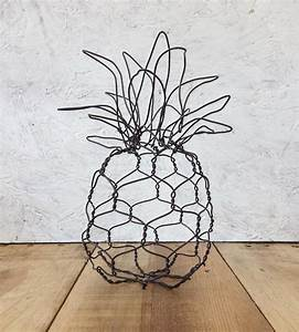 Mini Pineapple Wire Sculpture Home Kitchen & Pantry