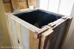 How to Build a Rustic Pallet Recycle Bin or Trash Can
