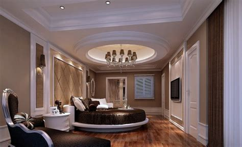 beds    luxurious    bedroom