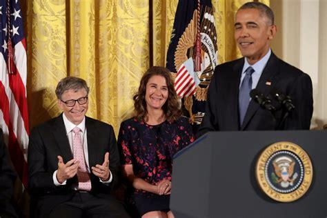 obama pokes fun  bill gates   awards