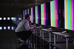 Wie Hoch Hängt Man Einen Fernseher : so stellt man das bild beim fernseher richtig ein techbook ~ Eleganceandgraceweddings.com Haus und Dekorationen
