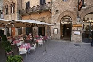 San Gimignano Services And Facilities Restaurants