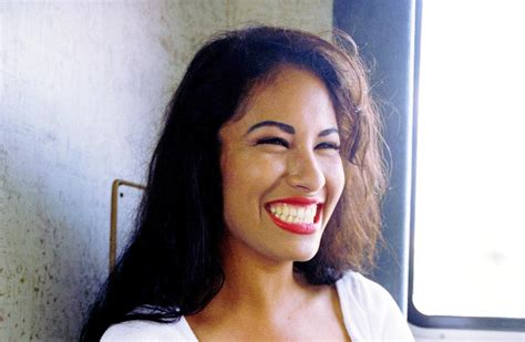 5 Selena Quintanilla Make Up Tutorials on YouTube That