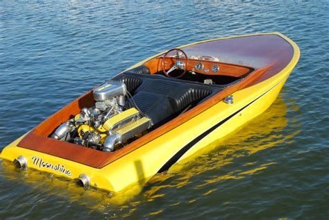 Fast Boat With Engine by Classic Boat V8 Tunnel Ram Powerboats Pinterest