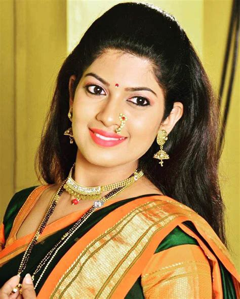 Marathi Actress Wallpaper In Latest Witch Subtitles
