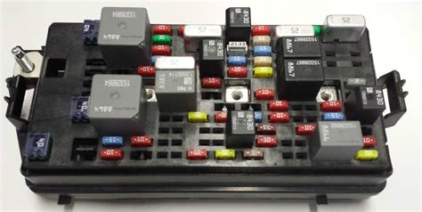 Buick Lucerne Fuse Box by New Oem Gm Fuse Block Fits Buick Lucerne Cadillac Dts
