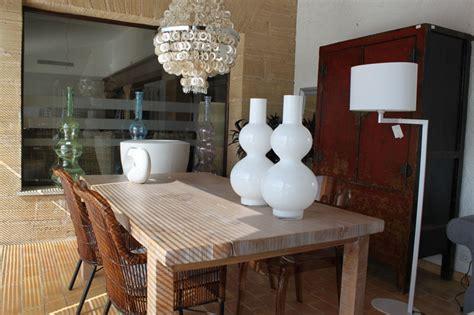 tienda muebles de comedor  interior mesas sillas
