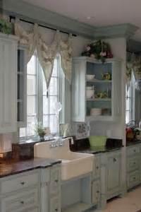 * Lilly Queen Vintage : Cottage Kitchen