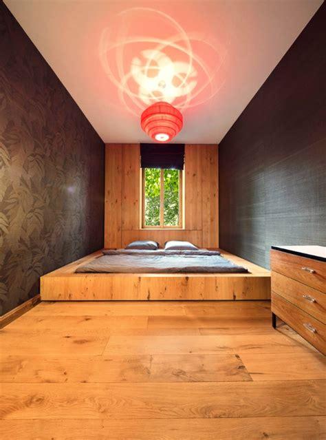 bett podest bauen schlafzimmer ideen lassen sie ihren schlafraum ger 228 umiger erscheinen