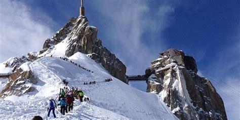 cine du mont blanc aiguille du midi offers epic thrilling views photos huffpost