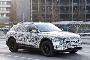 Audi E Tron : new 2018 audi e tron suv pictures auto express ~ Melissatoandfro.com Idées de Décoration