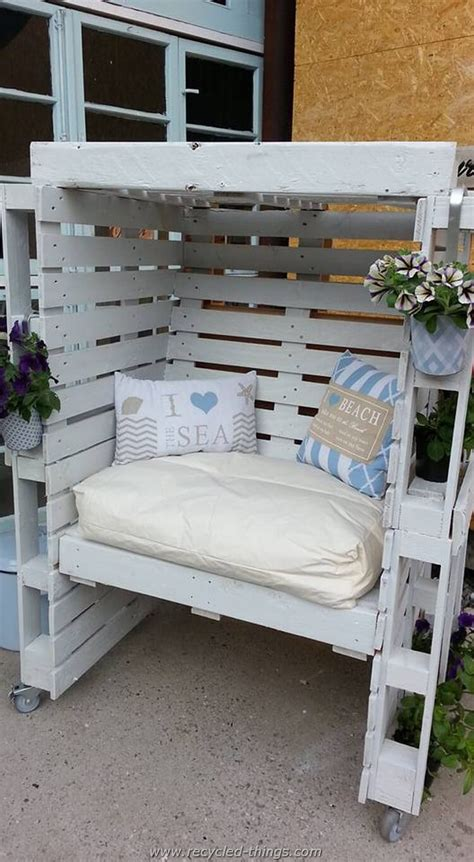 Furniture Made With Pallets by 27 Best Outdoor Pallet Furniture Ideas And Designs For 2019