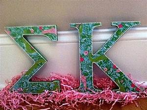 85 best images about lilly pulitzer on pinterest painted for Lilly pulitzer sorority letters