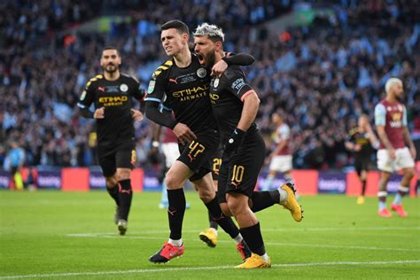 Trận đấu được bù giờ tới 7 phút nhưng điều đó không có nhiều ý nghĩa, khi man city không cho thấy họ có khả năng gỡ hòa. Man City phải đấu bù với Arsenal sau chức vô địch Cúp Liên ...