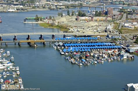 Boat Service Richmond by Vancouver Marina In Richmond Columbia Canada