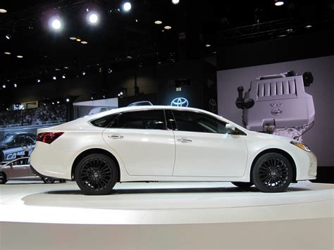 Toyota Chicago by 2016 Toyota Avalon Updated At 2015 Chicago Auto Show