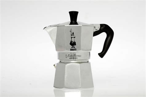 The only waste produced is 100% biodegradable and 1. Bialetti Moka Express stovetop espresso maker 1500x1000 : DesignPorn