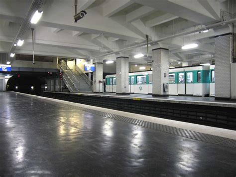 porte de cloud m 233 tro