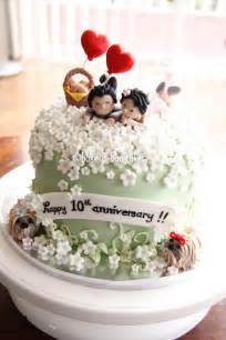10th wedding anniversary ideas bake a boo 10th wedding anniversary cake and the tank engine cake