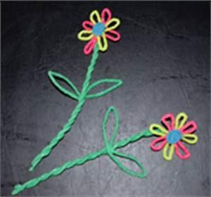 Rosen Aus Seidenpapier : blumen basteln blumen aus verschiedenem material basteln ~ Lizthompson.info Haus und Dekorationen