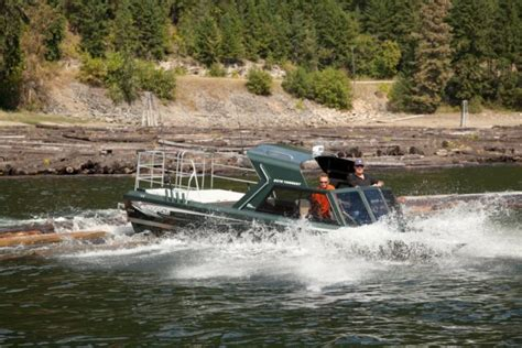 Used Kingfisher Boats Canada by Research 2013 Kingfisher Boats 2375 Torrent V8 On