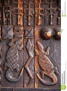 African Art Wood Carving Design Stock Photo - Image: 9240772