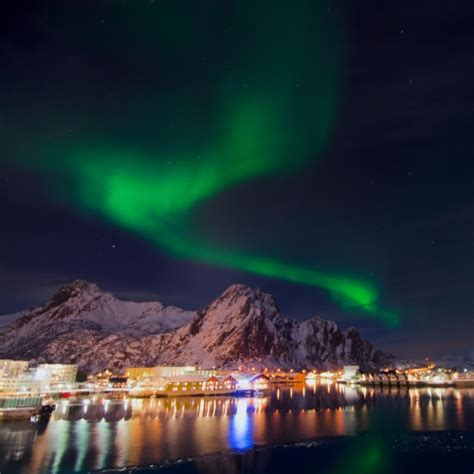what time can we see the northern lights tonight northern lights cruise hurtigruten desert chica