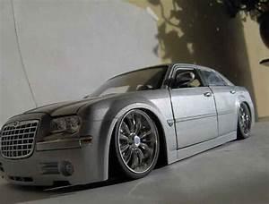 Jante Chrysler 300c : chrysler 300c miniature dub grise maisto 1 18 voiture ~ Melissatoandfro.com Idées de Décoration