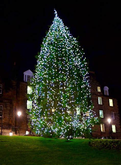 edinburgh christmas decorations  edinburgh