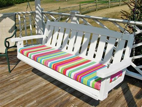 How To Make Outdoor Bench Cushions by 25 Best Ideas About Outdoor Cushions On