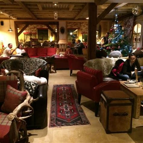 le bar au coin du feu photo de hotel chalet mounier les 2 alpes tripadvisor