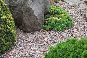 le gravier decoratif un materiau tres tendance pour l With decorer son jardin avec des galets 13 de la pierre reconstituee et du gravier pour une terrasse