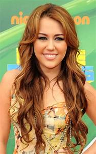 Long Loose Curly Hairstyle Miley Cyrus | Cute | Pinterest