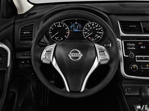 image  nissan altima   steering wheel size