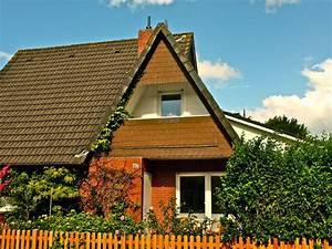 Wohnungen Mit Garten : topsaniertes feriendoppelhaus mit 2 wohnungen und garten in strandn he harlesiel ~ Orissabook.com Haus und Dekorationen