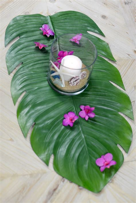 monstera leaf tropical table runner