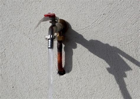 robinet d eau exterieur comment installer un robinet d ext 233 rieur bricobistro