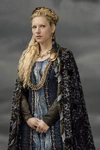 Lagertha in 2019 | Vikings lagertha, Viking costume, Lagertha