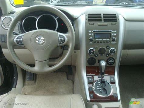 2009 Suzuki Grand Vitara Luxury Beige Dashboard Photo