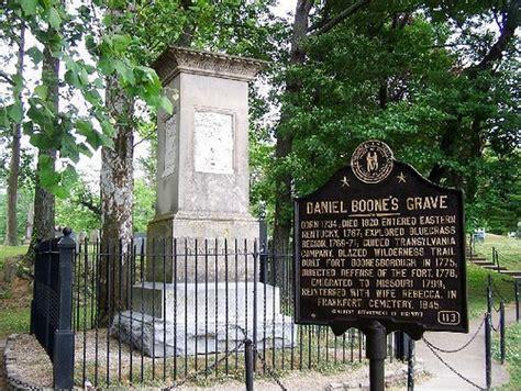 Daniel Boone's Grave - 2   Frankfort Cemetery, Frankfort ...