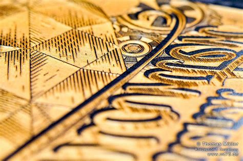 decoupe  gravure laser du bois pour le contreplaque le