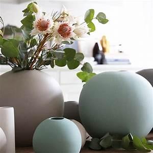 Moderne Vasen Von Designer : die kleine ball vase von cooee bei ~ Bigdaddyawards.com Haus und Dekorationen