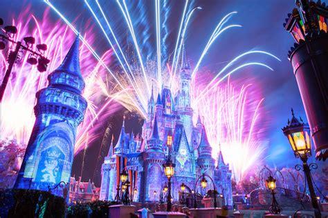 Celebrating Walt Disney World's 50th Anniversary 🎉 - ParkGeeks