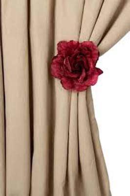 pince  rideaux rose en satin  organdi