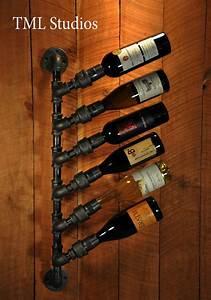Regal Aus Rohren : industrial plumbing pipe wine rack bottle holder steampunk in 2018 boas ideias pinterest ~ Markanthonyermac.com Haus und Dekorationen
