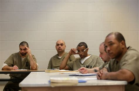 psychologist  warden jail  mental illness