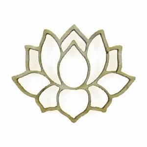 Fleur En Bois : mini sujet en bois brut fleur de lotus ajour e ~ Dallasstarsshop.com Idées de Décoration