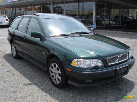 Green Volvo by 2000 Summer Green Metallic Volvo V40 1 9t Wagon 33496033